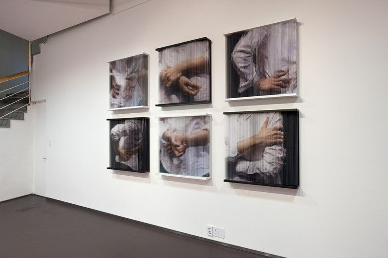 (3))String Mirror_cbody  print on elastic strings, steel frame  85 x 85 x 14 (cm) (x6)each  2010