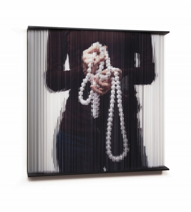 (3)String_hands_0552   print on elastic strings in a steel frame  120 x 120 x 15 (cm)   2011